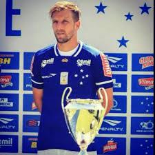Felipe Seymour seguirá en el Cruzeiro.