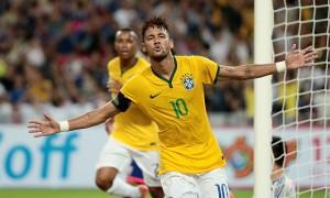 Neymar lleva 84 partidos y ha marcado en 60 oportunidades.