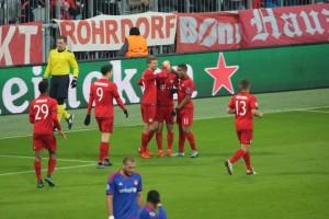 El Bayern de Vidal ya dice presente en octavos de final en Champions