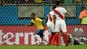 Douglas Costa inició la fiesta en el Arena Fonte Nova.