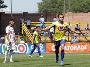 Vargas, Troncoso y Churín metieron a la UDC en la post temporada.