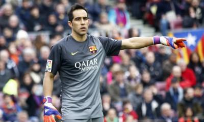 Claudio Bravo , tuvo una buena actuación en sufrido triunfo del Barcelona ante el Levante.