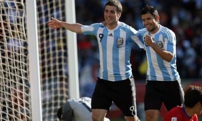 El ST argentino considera a Agüero e Higuaín dentro de los 5 mejores delanteros del mundo, pero sólo uno de ellos será titular ante Chile.