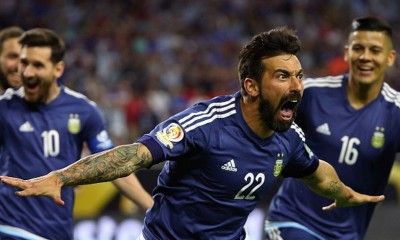 HOUSTON, TX - JUNE 21:  Ezequiel Lavezzi #22 of Argentina celebrates scoring a first half goal against the United States during a 2016 Copa America Centenario Semifinal match at NRG Stadium on June 21, 2016 in Houston, Texas.  (Photo by Scott Halleran/Getty Images)