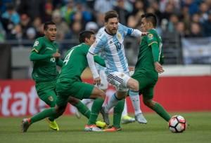 Messi jugó medio tiempo en el triunfo albiceleste.