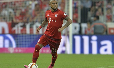 Bayern's Arturo Vidal controls a ball during the German Bundesliga soccer match between FC Bayern Munich and Hamburger SV in Munich, southern Germany, Friday, Aug. 14, 2015. (AP Photo/Kerstin Joensson)