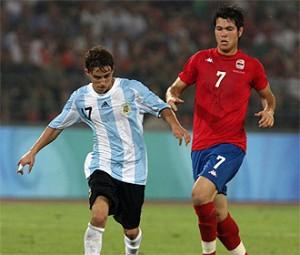 El Enano en el Torneo Esperanzas de Toulon donde fue el goleador con cuatro tantos.