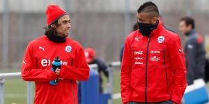 Jorge Valdivia entrena con La Roja