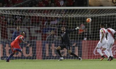 Chile ganó gracias dos goles de Arturo Vidal.