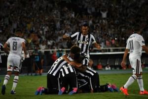 Botafogo venció a Colo Colo, pero los albos anotaron un gol que puede ser decisivo en la revancha.