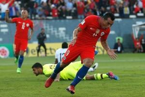 Esteban Paredes anotó dos goles en la victoria de Chile por 3 a 1 a Venezuela.