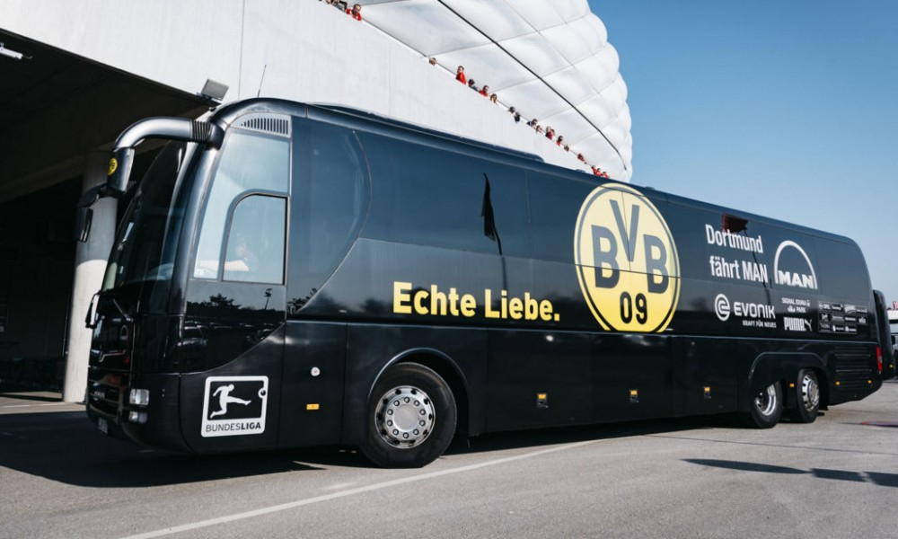 MUNICH, GERMANY - APRIL 08: The team bus of Borussia Dortmund arrives prior to the Bundesliga match between Bayern Muenchen and Borussia Dortmund at Allianz Arena on April 8, 2017 in Munich, Germany. (Photo by Alexander Scheuber/Getty Images Fuer MAN)