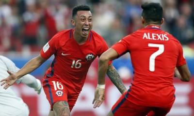 Martín Rodríguez celebra su gol ante Australia. Chile se medirá ahora ante Portugal de Cristian Ronaldo.