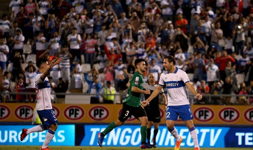 Luciano Aued marcó el 2-0 de penal para la UC.