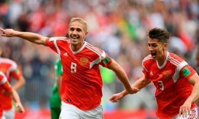 Rusia debutó en su Mundial con una gran goleada ante la selección que dirige Pizzi.