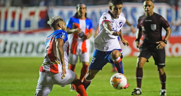 Nacional gana a Estudiantes de Mérida y 'festeja' Racing