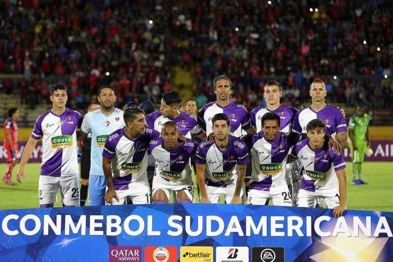 Huachipato de Joffre Escobar cayó ante Fénix por Copa Sudamericana
