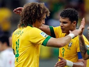 Luiz elogió a Chile y Silva celebró la clasificación.