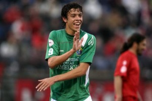 Franco Di Santo realizó una buena temporada en Audax Italiano y luego fue vendido al Chelsea, donde no jugó, y ahora está en el  Werder Bremen, en Alemania