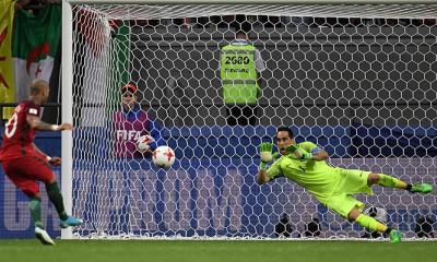 Claudio Bravo ya es leyenda. Con tres tapadas monumentales le dio la clasificación a Chile a la final de la Copa Confederaciones.