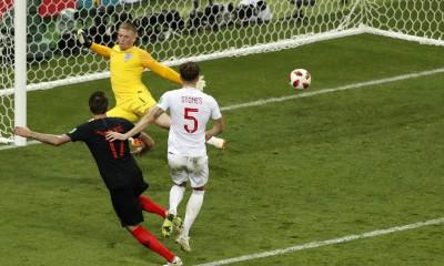 Mandzukic anota el gol del triunfo que le da los pasajes a Croacia para disputar la gran final de la Copa Mundial Rusia 2018.