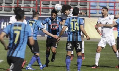 Colo Colo no pudo ganarle a Huachipato en Talcahuano. Los acereros jugaron gran parte con 10 hombres.